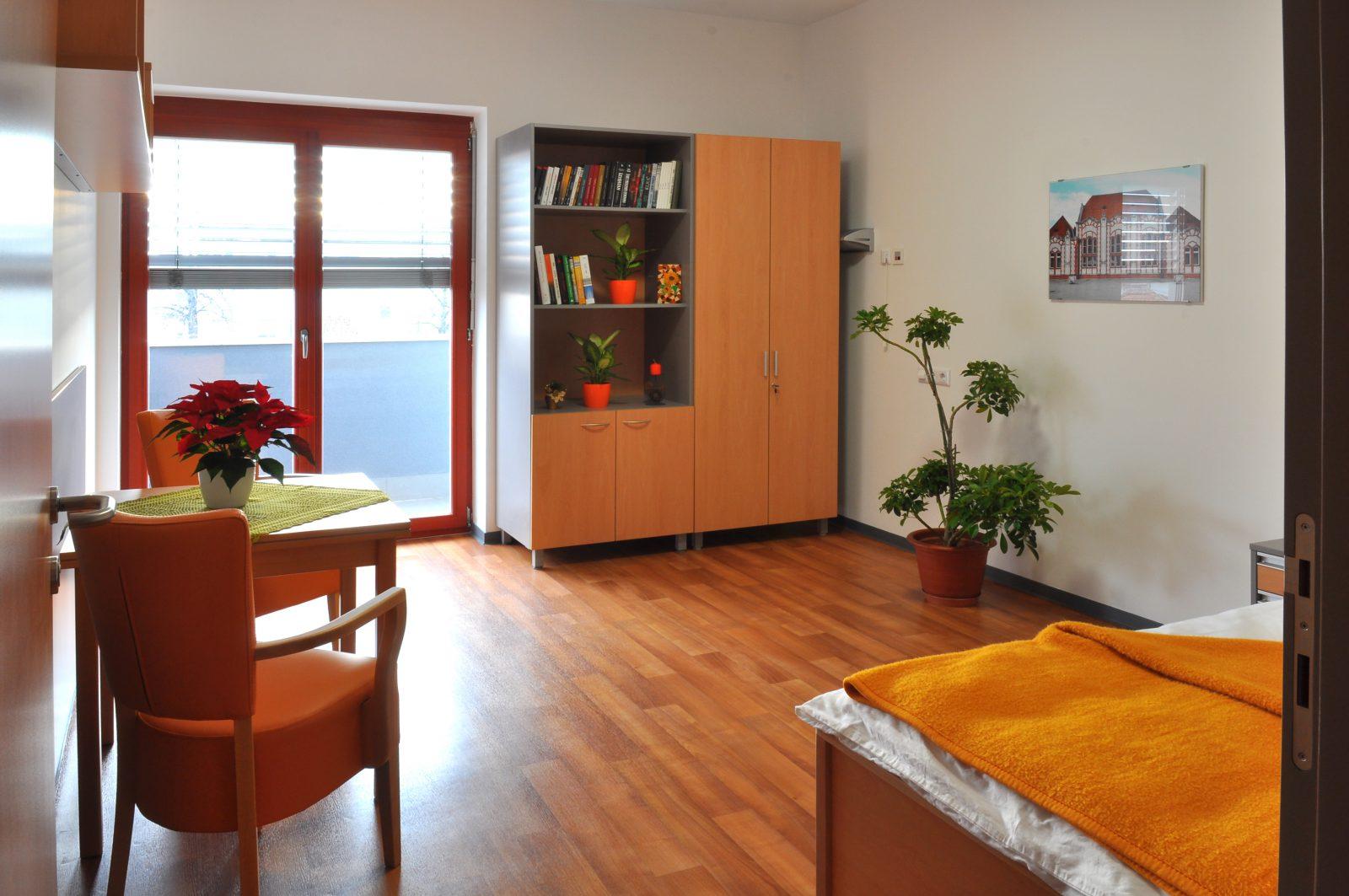Jednokrevetna soba u domu za starije