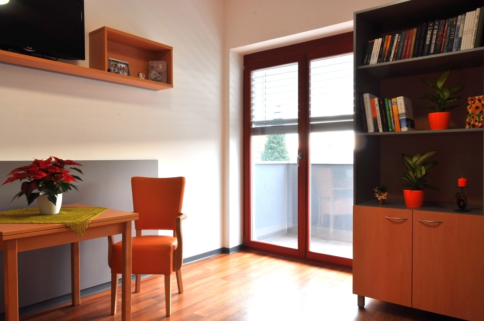 Jednokrevetna soba s balkonom