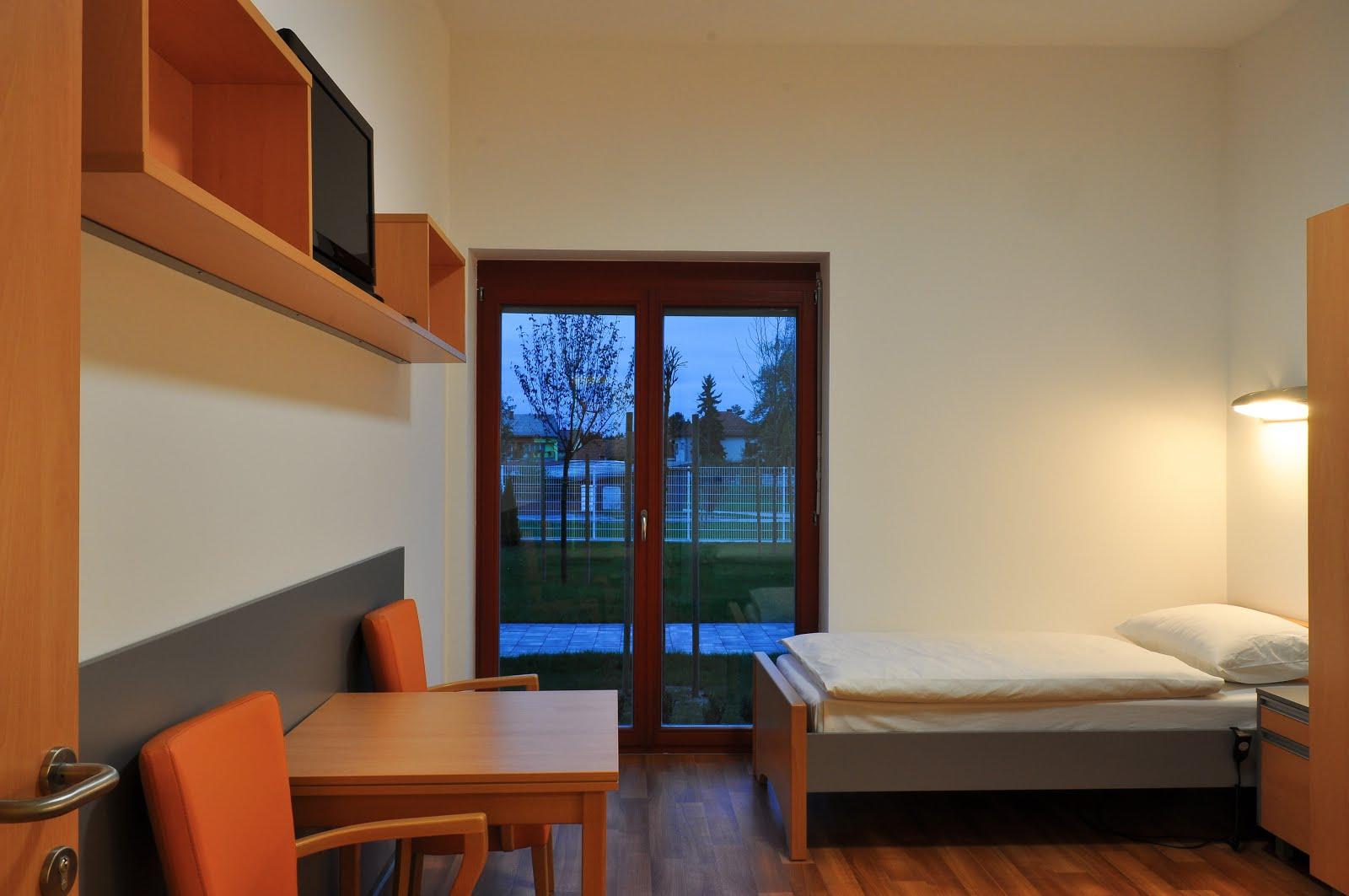 Dvokrevetna soba s balkonom